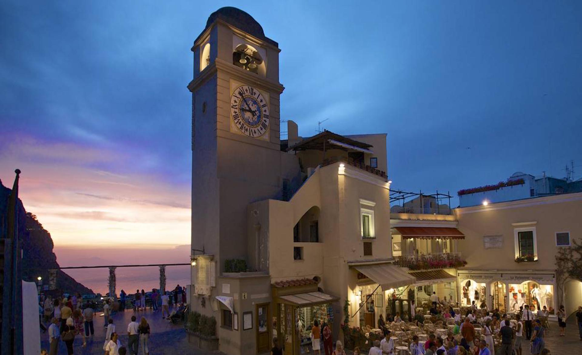 Amalfi Coast nearest pleaces Capri Island