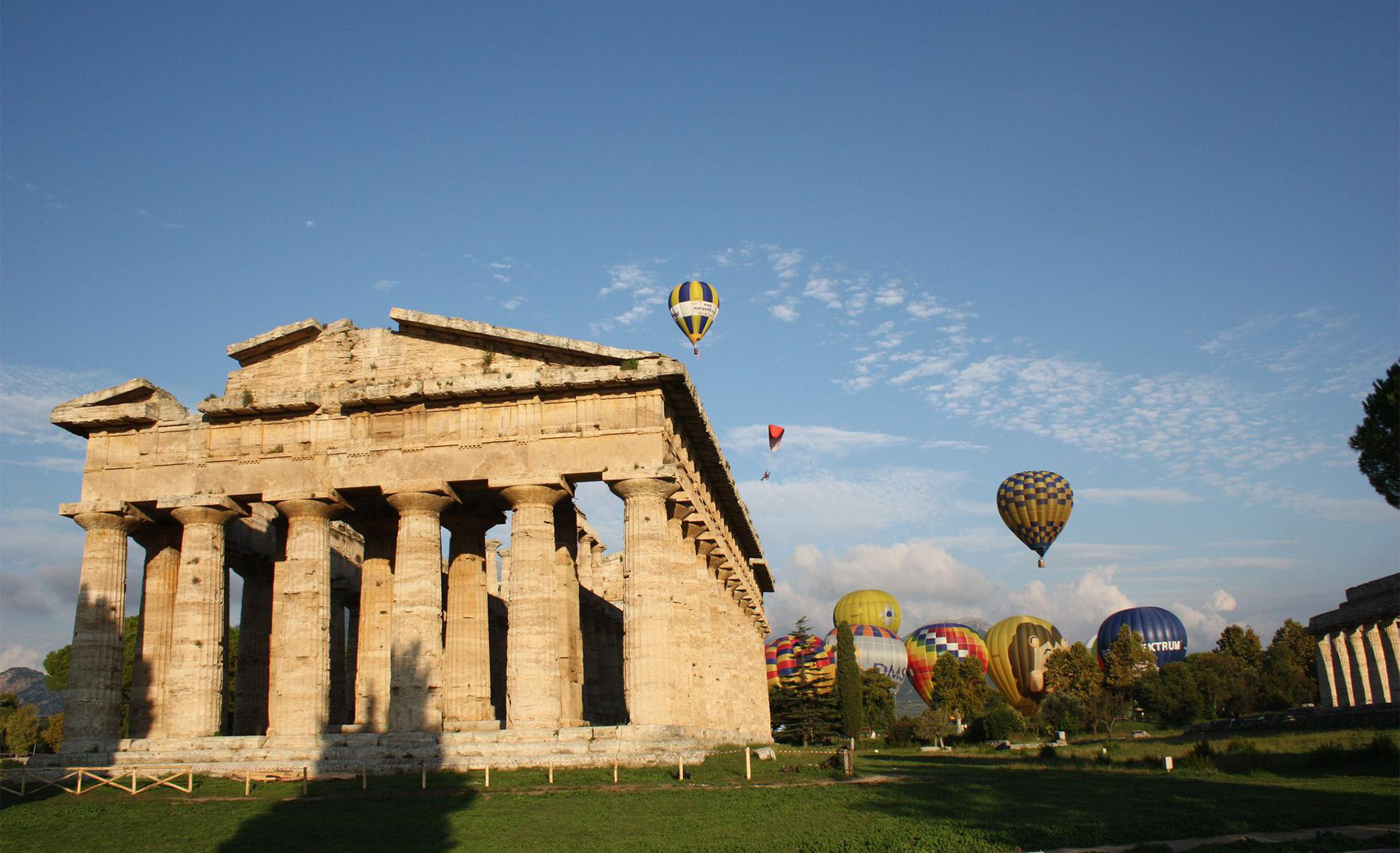 Amalfi Coast Activities: Paestum Ballon Festival